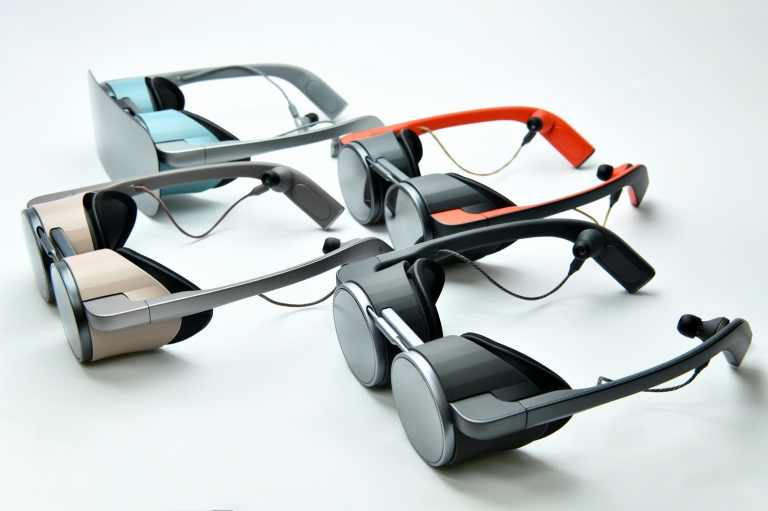 PanasonicVRGoggles-Group